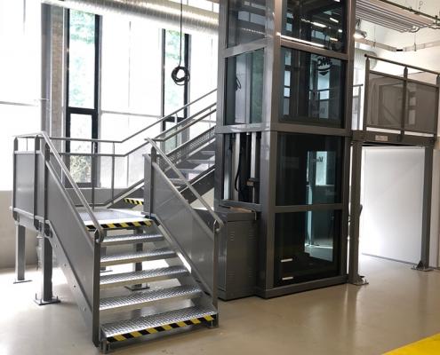 Plateforme technique avec escalier